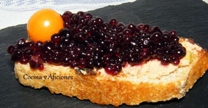 0 Tosta de bloc de pato con caviar de vino tinto
