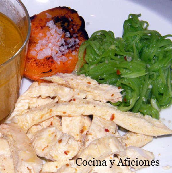0 - pollo hervido con espaguetis de judas verdes y batata 111