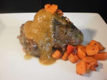 Carrilleras de cerdo ibérico con salsa de verduras, receta