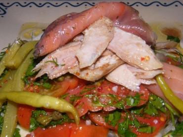 Ensalada primaveral con el calabacín crudo, receta