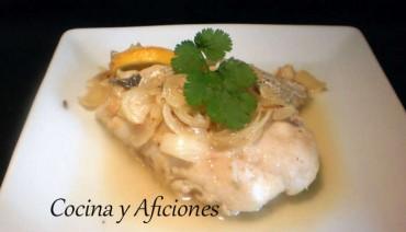 Pescado (merluza) hervido en su jugo, receta