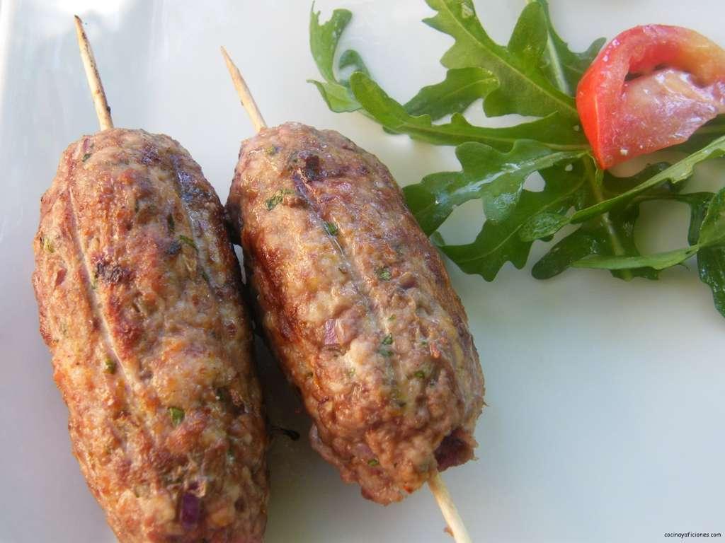 Brocheta oriental de carne (kefta), receta.