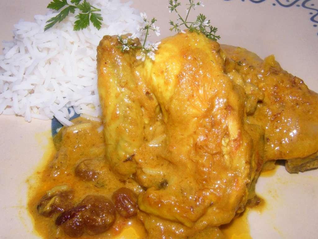 Picantón al yogur, un curry de Bengala. Receta hindú