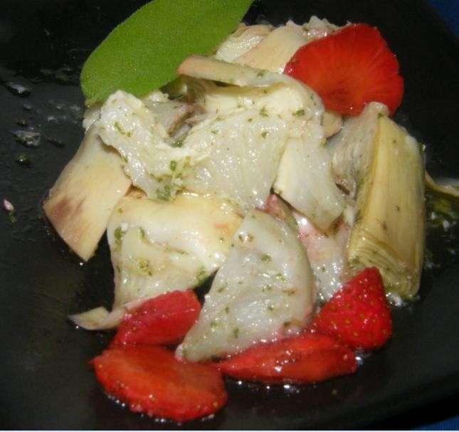 alcachofas maridas con fresitas al vinagre de Módena