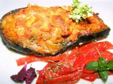 Berenjenas rellenas de pisto y carne con costra, receta