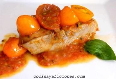 Bonito con sofrito de tomate y jengibre,receta