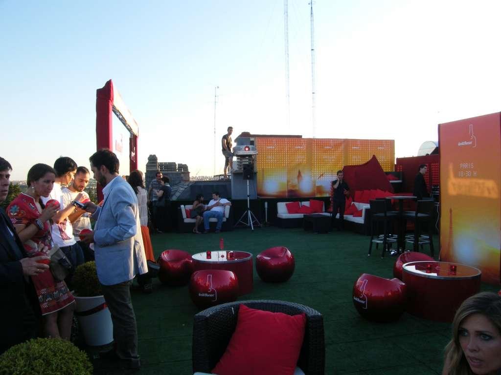 Terraza del hotel jardines de sabatini cocina y aficiones for Jardines sabatini conciertos