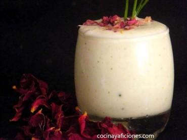 Crema fría de yogur y pepino: tzatziki, raita, tarator, djadjik……., receta