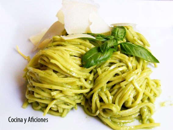 Linguinis  al pesto, receta