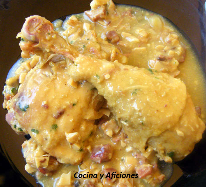 Pollo de corral en pepitoria