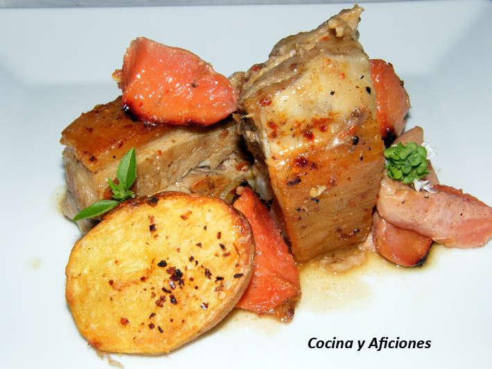 Costillas asadas con membrillo y patatas, receta