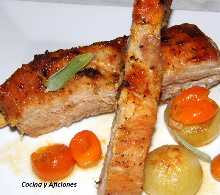 Costillas de cerdo asadas con kumquat  y almíbar de naranja, receta