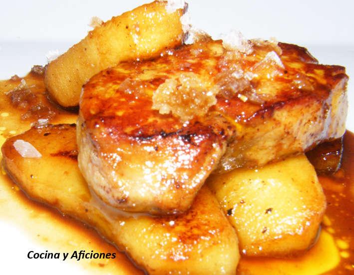 foie gras con manzana y salsa de vino