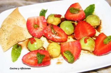 Aperitivo de fresas con aguacate, receta