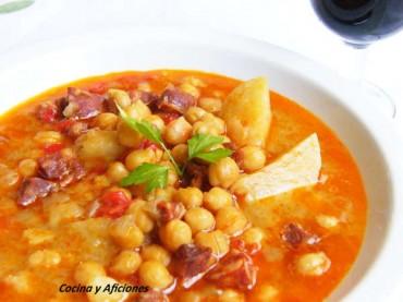 Cazuela de Garbanzos con chorizo, receta