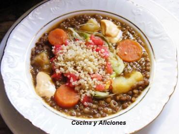 Lentejas con verduras, quínoa y salsa de pimientos, receta paso a paso
