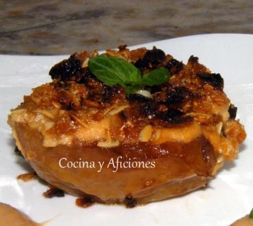 Manzanas asadas con su crema y crumble de almendras, receta