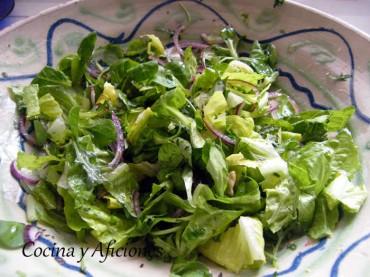 """Ensalada """"genial"""" con hierbas para acompañar cualquier plato, receta"""