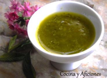 Mojo o salsa de menta y hierbas frescas, receta