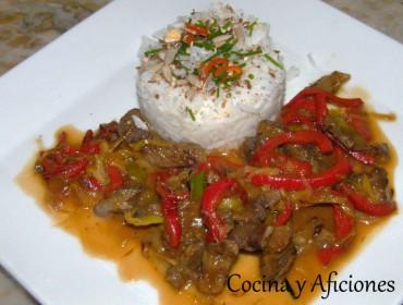 Wok de carne de buey con arroz jazmín, receta paso a paso