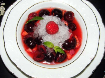 Sopa de frutas con nieve de ginebra, receta paso a paso