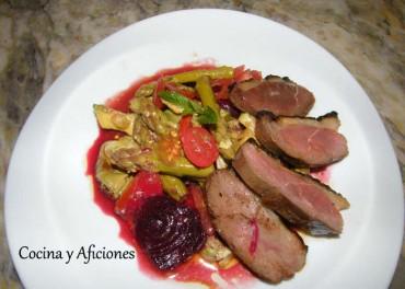 Ensalada de verduras con magret de pato, receta paso a paso