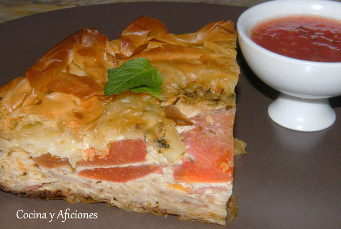 Quiche de carne y quesos con tomate y mozarella