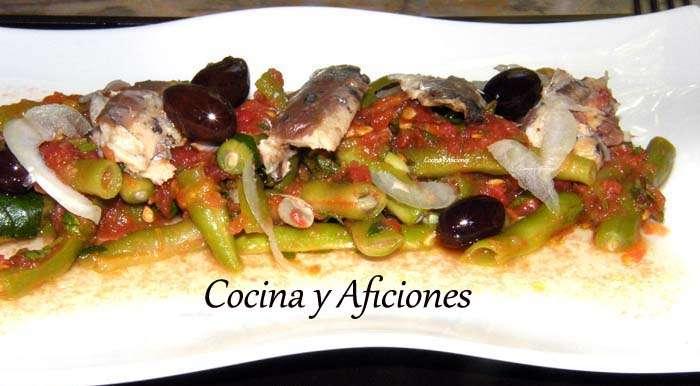 Ensalada de judías verdes,sardinas de lata y aliño de tomate, receta paso a paso