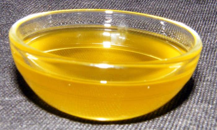 Aceite macerado con nueces, receta paso a paso