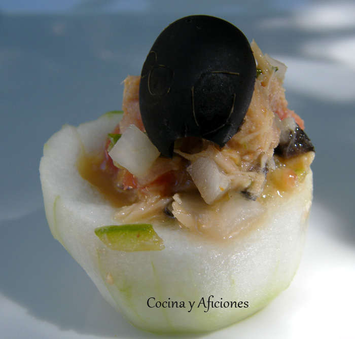 Cestillos de pepino rellenos con atún y verduritas, receta paso a paso