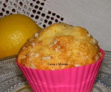 Magdalenas con limón y costra de almendras, receta paso a paso