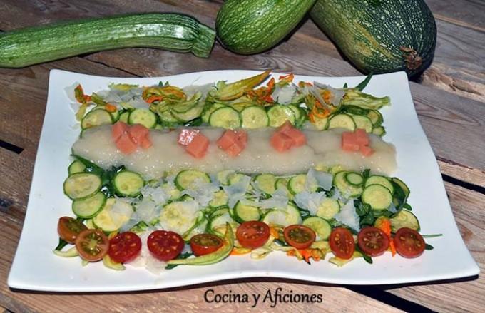 Carpaccio de calabacín con  agua de tomate 1