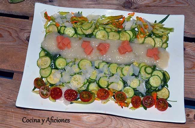 Carpaccio de calabacín con agua de tomate 23