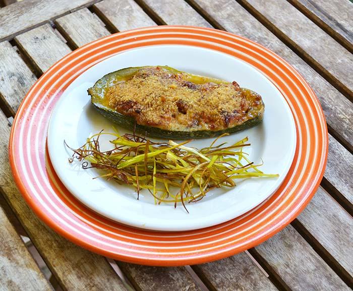Calabacines rellenos otra versión, receta paso a paso.