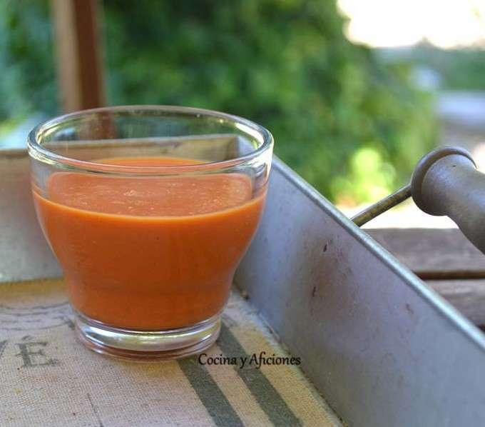 sopa fria de pimiento rojo