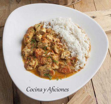 Curry de cordero «rogan josh» una receta tradicional hindú.