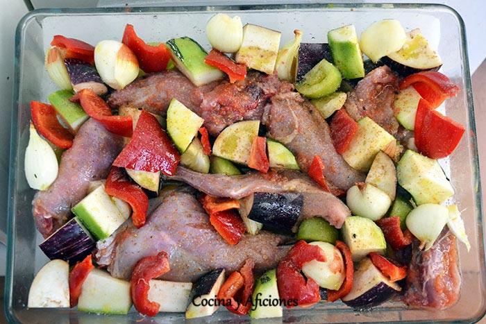 preparando-el-conejo-con-hortalizas