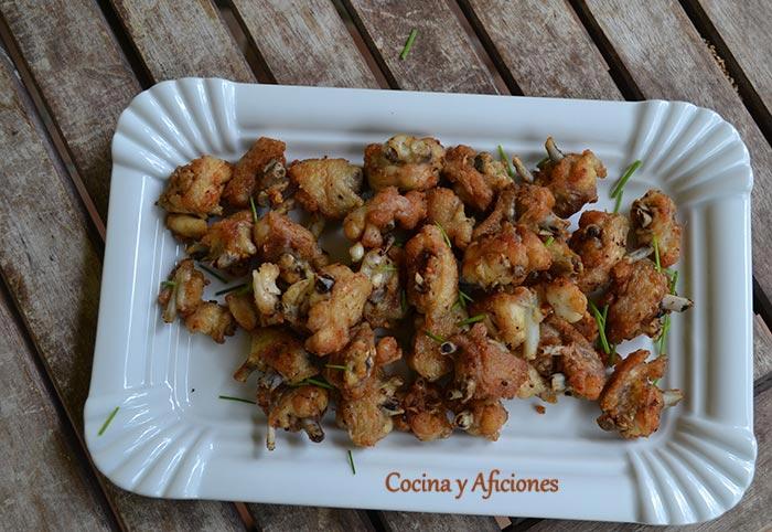 Aperitivo muy sencillo: Bocaditos de pollo fritos receta paso a paso.