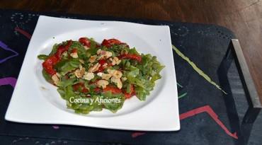 Ensalada templada de judías verdes y pimientos rojos, receta paso a paso