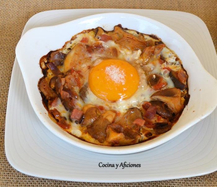 huevos-al-plato-con-setas-de-cardo-ok