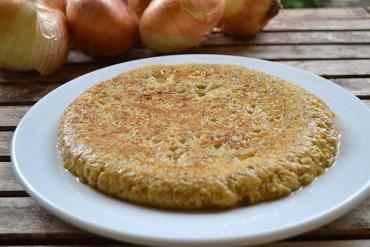 Tortilla de cebolla, la receta de Marcos Moran paso a paso.