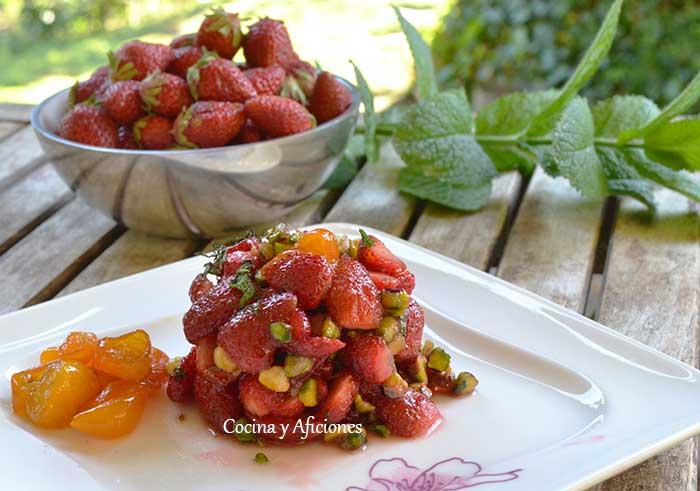 fresas-con-kumquats-y-pistachos-4
