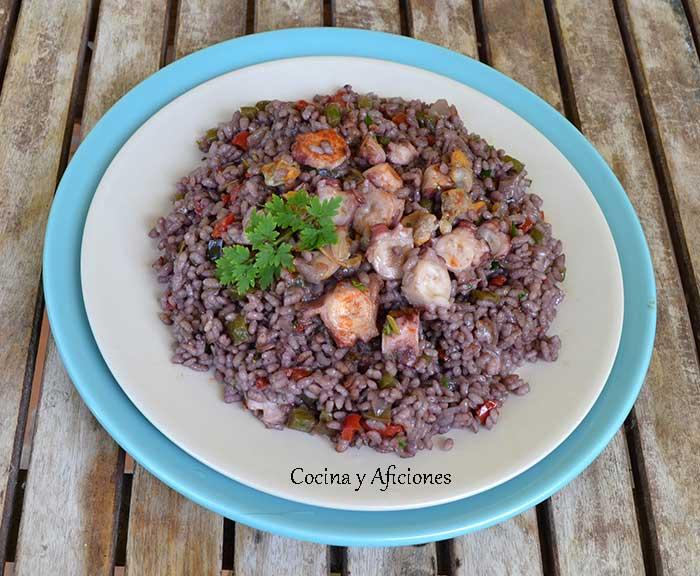 arroz-con-pulpo-y-vino-tinto