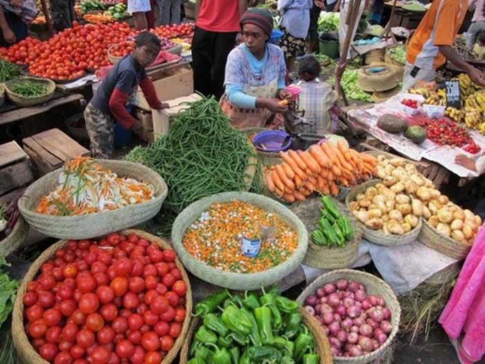 mercado-callejero-madagascar