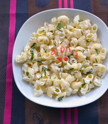 Pasta con calabacín, ricotta y aceite Royal del Castillo de Canena, receta sencilla paso a paso.