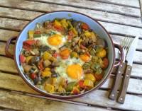 Huevos al estilo mediterráneo, receta paso a paso