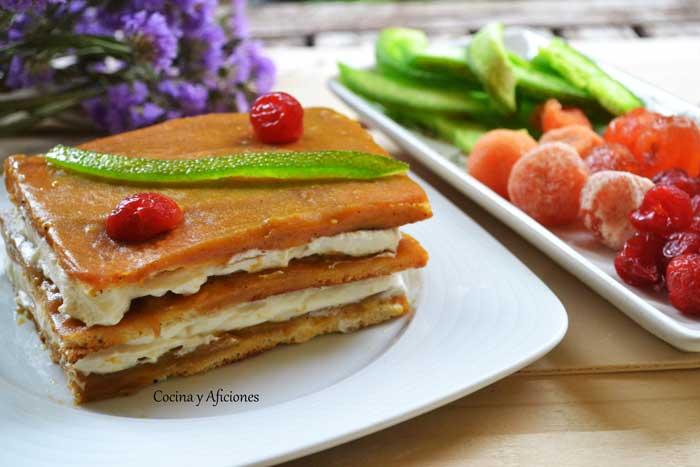 Pastel-de-mousse-de-cava-con-coulis-de-mango-3