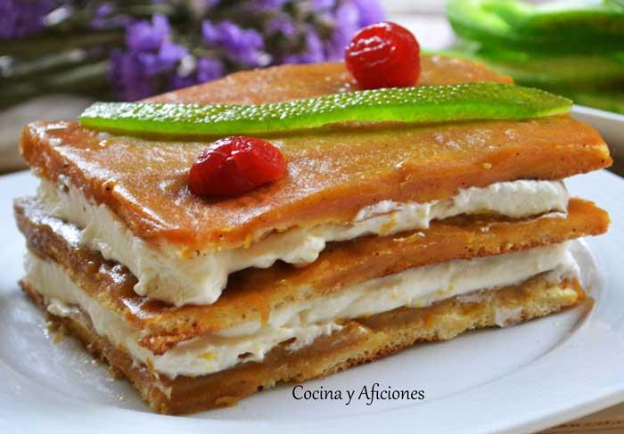 Pastel-de-mousse-de-cava-con-coulis-de-mango-4