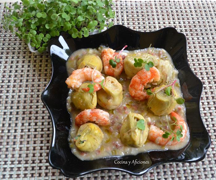 Alcachofas-en-salsa-con-jamon-y-gambas-2