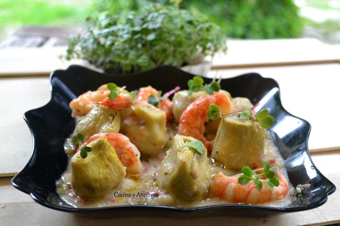 Alcachofas-en-salsa-con-jamon-y-gambas-4